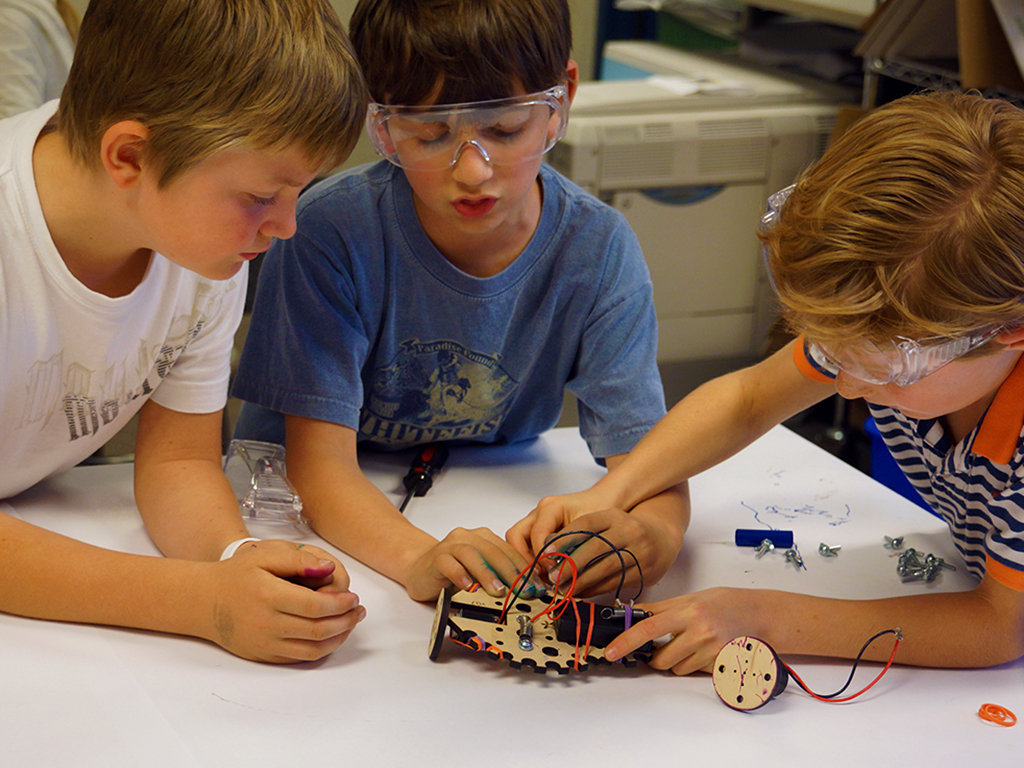 Tinkerers in the Classroom